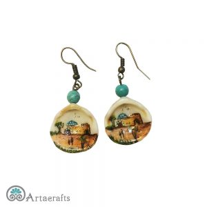 this is a picture of seashell earrings