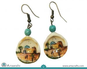 this is a shell earrings with painting on it. It is handmade.