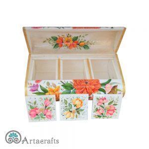 جعبه سه در گل و مرغ